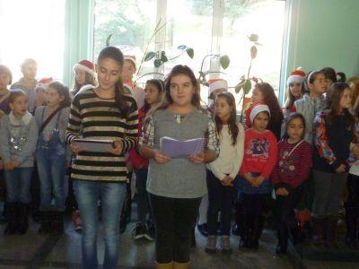 Коледен поздрав 2 - ОУ Св. Св. Кирил и Методий - Карлово