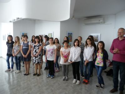 Откриване на изложба в градската галерия - ОУ Св. Св. Кирил и Методий - Карлово